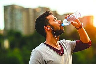 نوشیدن آب و کاهشوزن