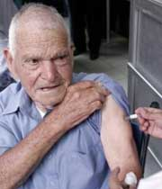 واکسن انفلوآنزا، ناجی سالمندان