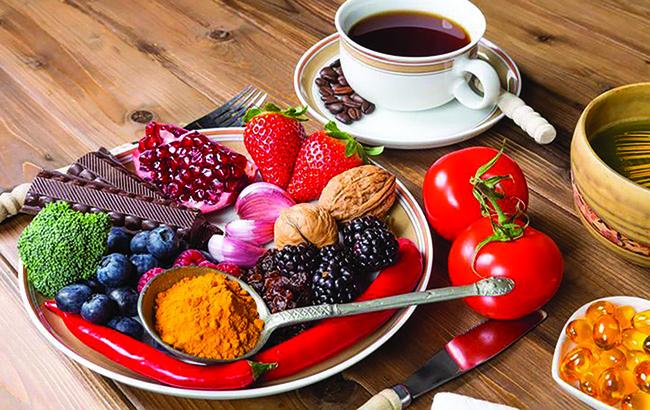 تغذیه سالم مؤثر در پیشگیری از پیریپوست