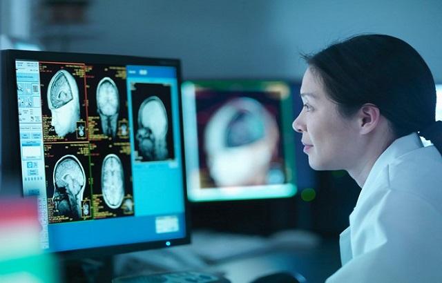 کمبود رادیولوژیست در شهرهای کوچک و مراجعه بیماران را به تهران