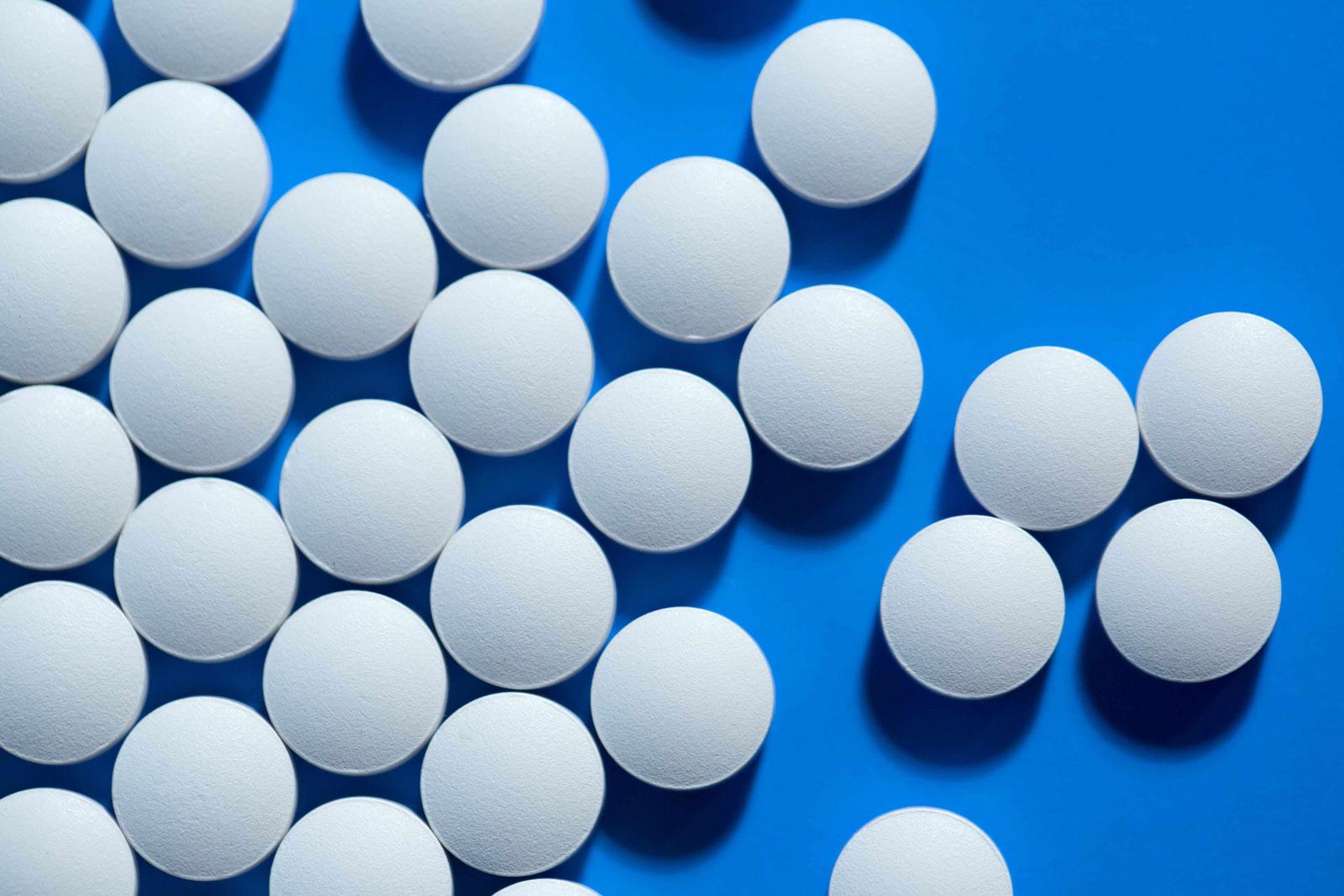 آسپیرین ، دارویی ضد انعقادی مناسب پس از عمل جراحی زانو