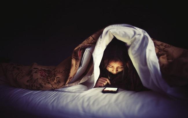 تأثیرشبکههای اجتماعی بر بیخوابی