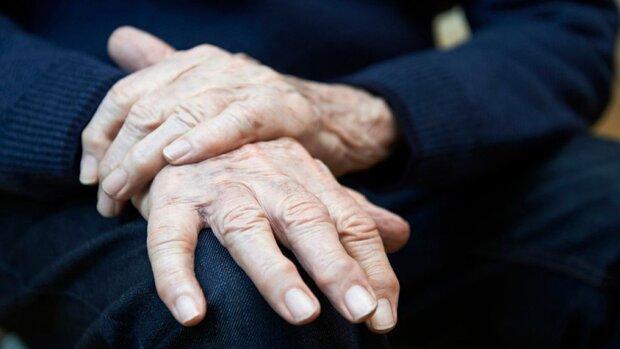 ۱۷ درصد ایرانی های بالای ۳۰ سال دچار پوکی استخوان هستند