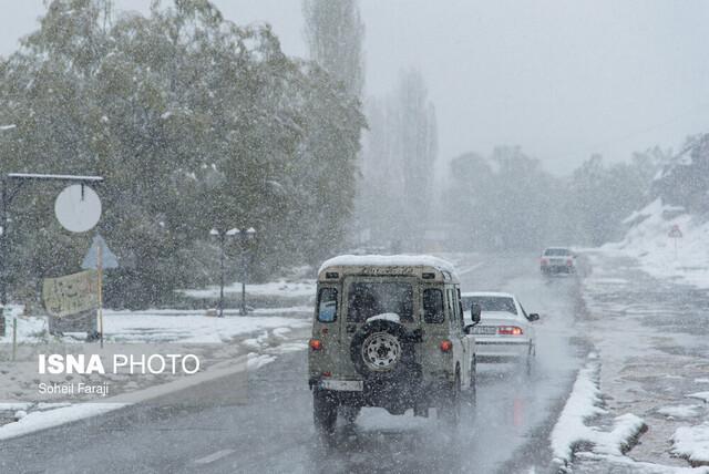 بارش برف و باران در محورهای شمالی کشور