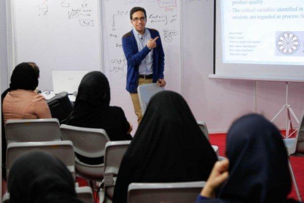 """جزئیات ارائه دروس جبرانی""""زبان"""" و """"روش تحقیق""""به دانشجویان علوم انسانی و هنر دانشگاه آزاد"""