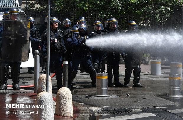 خشونت پلیس ضد شورش فرانسه علیه تظاهرات کنندگان