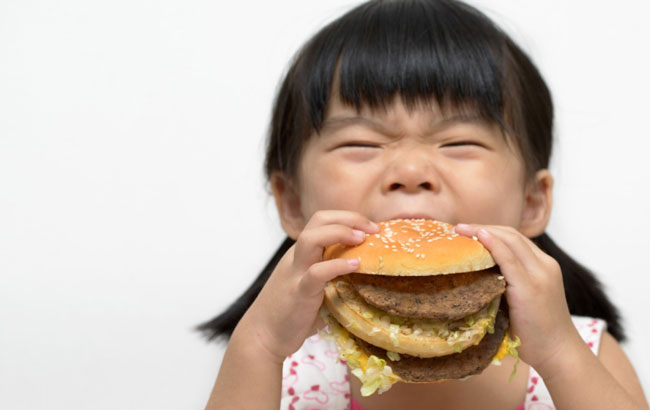 نقش تغذیه نوزاد درآینده سلامت دهان و دندان کودک