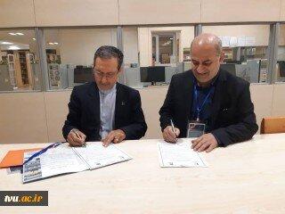 امضای تفاهمنامه همکاری بین دو دانشگاه فردوسی و فنی و حرفهای