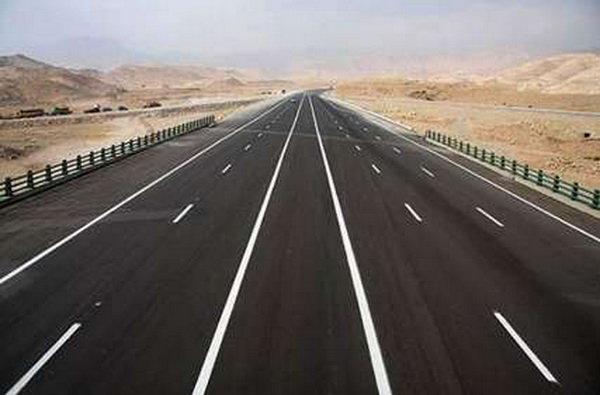 213 کیلومتر بزرگراه در حال احداث است