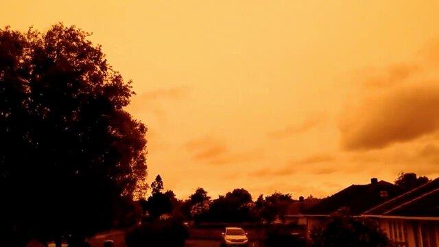 نارنجی شدن آسمان نیوزیلند در پی آتشسوزیهای استرالیا